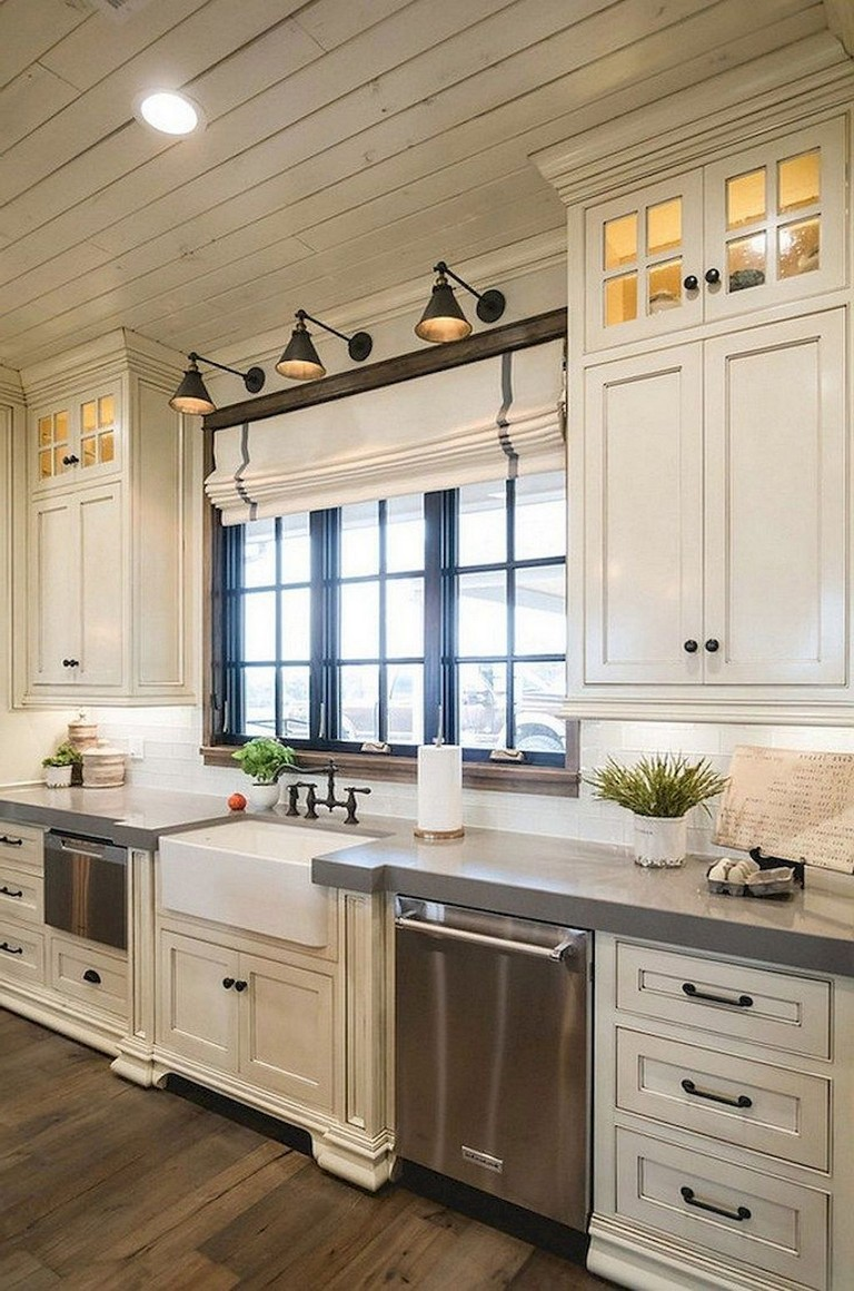 81 Stunning Farmhouse White Kitchen Cabinet Makeover Ideas